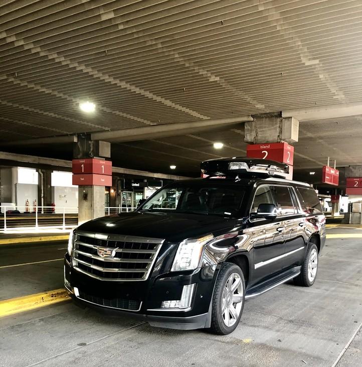 Denver airport pickup location