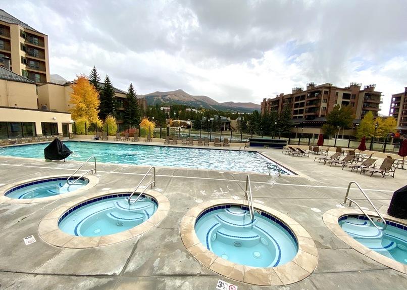 Marriott with swimming pool Breckenridge